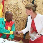 Guinée : Alpha et ses relations idylliques avec les diplomates, l'Ambassadrice du Royaume-Uni « glorifie » les efforts de l'État guinéen